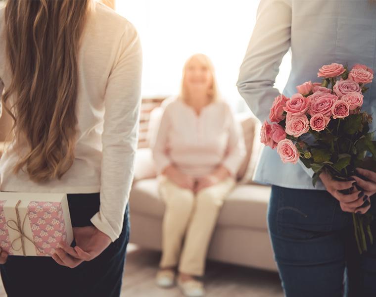 母の日はいつ?プレゼントはどうする?母の日ギフトに関する実態調査